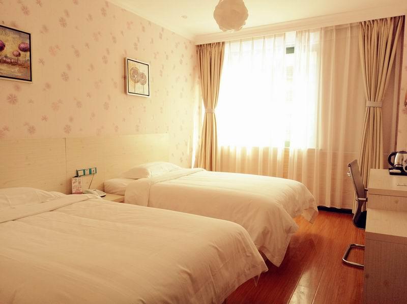 都市118连锁酒店(东江湖店)_同乐成酒店