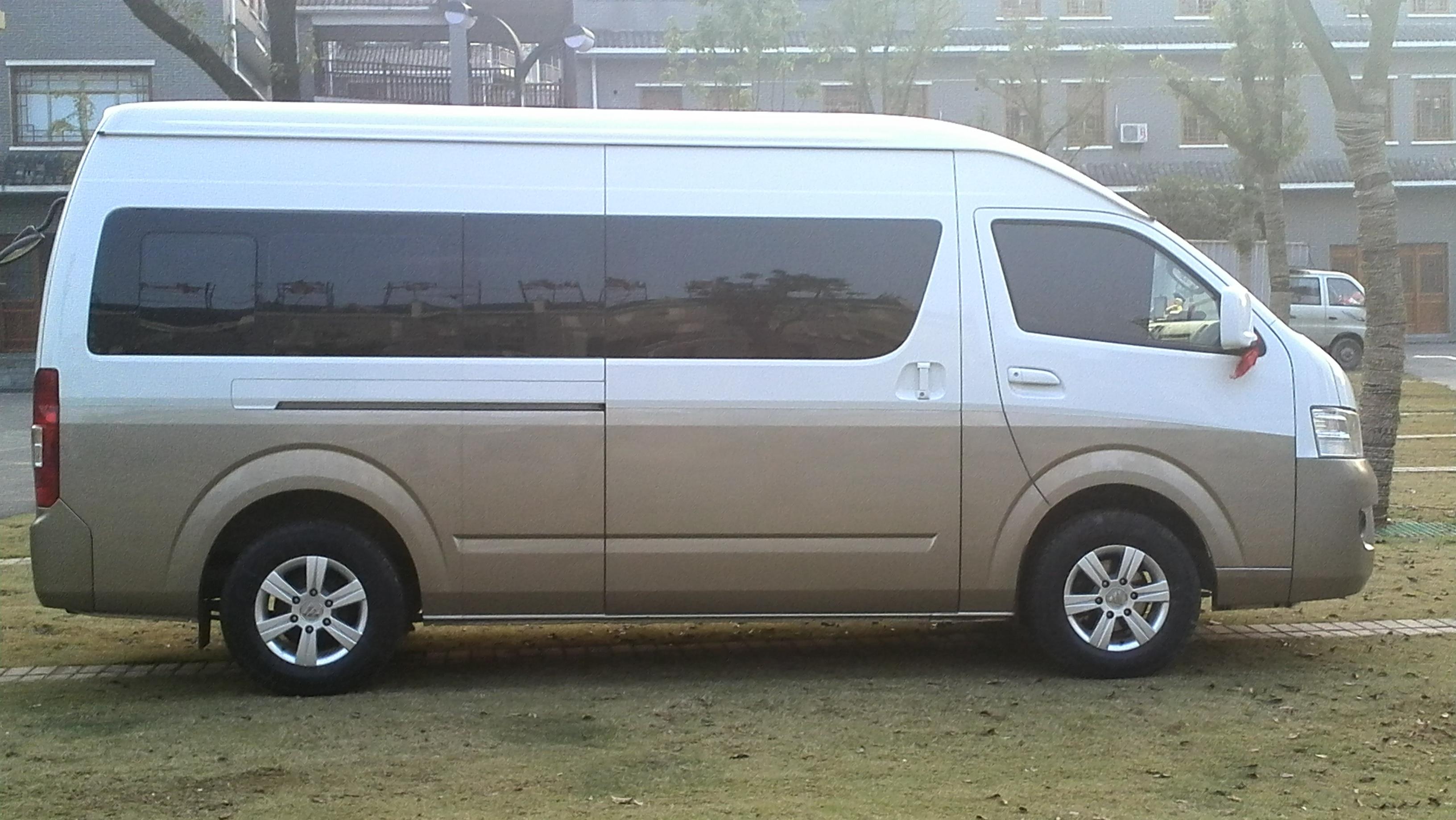 同乐成租车15座商务旅游车